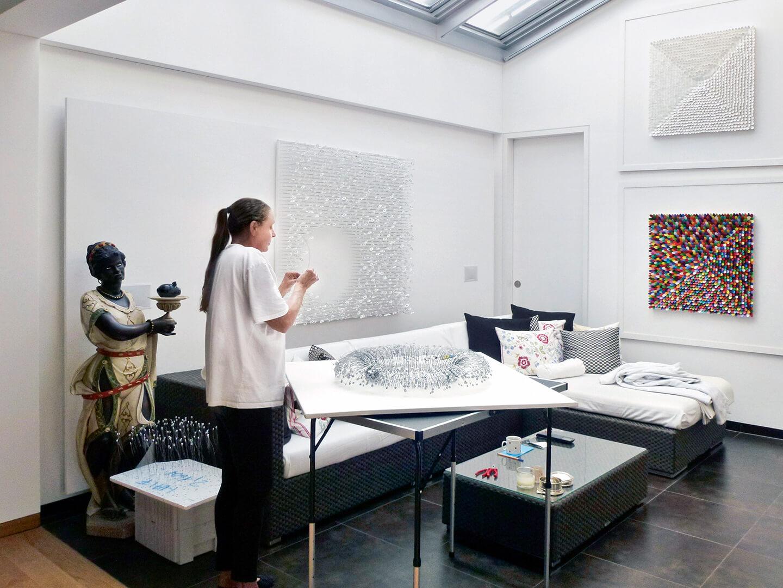 Renate Fabricius in her studio